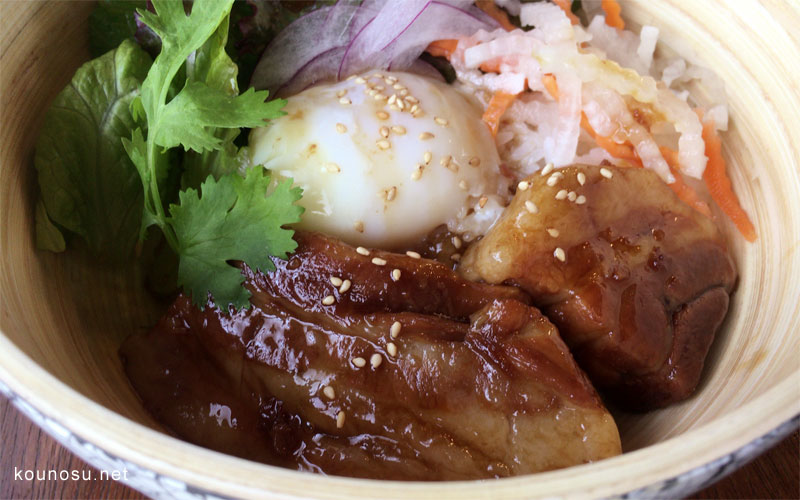 ノウノウカフェの角煮丼